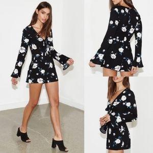 Kendall & Kylie || Floral Bell-Sleeve Romper